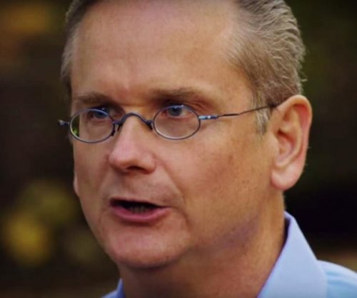 Lessig drops out of 2016 race, says Democrats 'won't let me be a candidate'