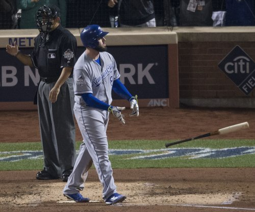 Knee injury could be season-ending for Kansas City Royals' Mike Moustakas