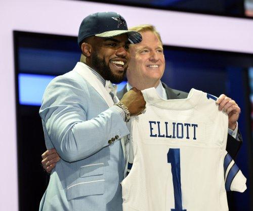 "Ezekiel Elliott: Dallas Cowboys RB ""going to get"" rushing record in 2016"
