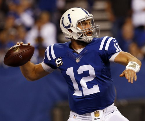 Indianapolis Colts beat Minnesota Vikings, keep postseason hope alive