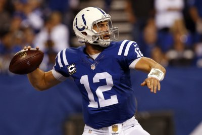 Indianapolis Colts beat Minnesota Vikings, keep postseason hope alive