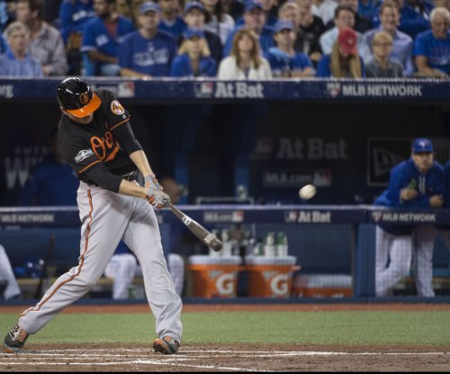 Baltimore Orioles, Mark Trumbo reach 3-year, $37.5M deal