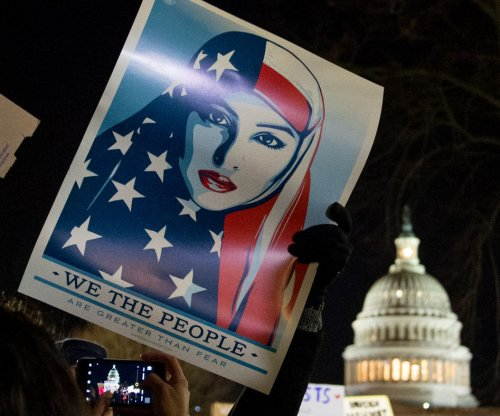 Muslim advocacy group CAIR sues Trump over immigration ban
