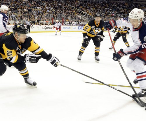 Pittsburgh Penguins Chad Ruhwedel signs two-year deal to stay with champs