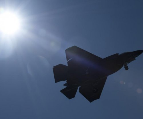 Navy taps Lockheed Martin for more F-35 support