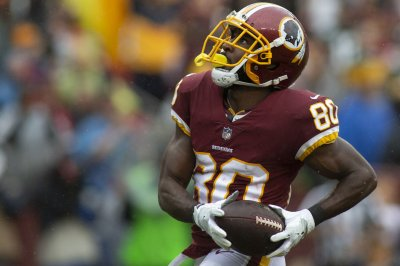 Redskins rule out WR Crowder