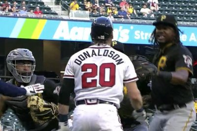 Donaldson among 3 ejected in Braves-Pirates brawl