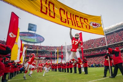 NFL playoffs: Chiefs overtake 49ers as Super Bowl favorites