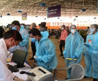 India sees record COVID-19 rise -- 412,000 new cases in single day