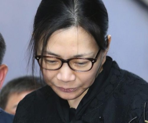 Korean Air 'nut rage' executive freed to go home