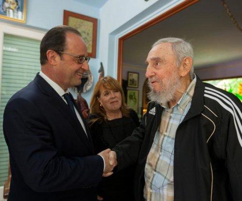 Fidel Castro celebrates birthday, says U.S. owes Cuba millions