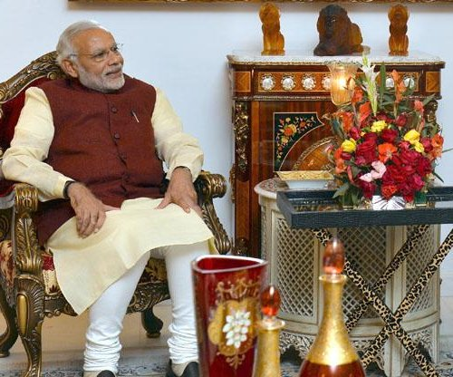 Indian prime minister makes surprise visit to Pakistan