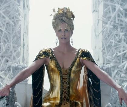 Charlize Theron, Emily Blunt face off in 'The Huntsman' trailer