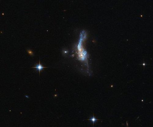 Hubble photographs galaxy collision