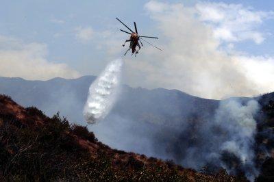 LA firefighters contain 30% of La Tuna wildfire