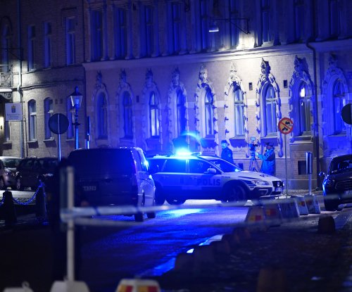 Three arrested for Molotov cocktail attack on Swedish synagogue