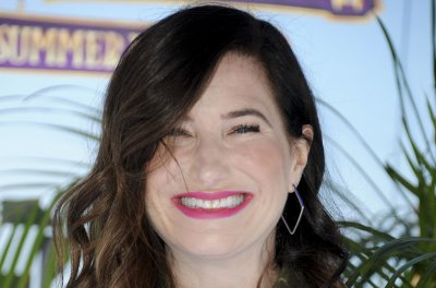 Kathryn Hahn recalls making 'How to Lose a Guy' on 'Kimmel'