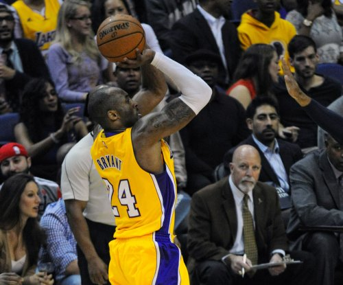 Kobe Bryant passes Michael Jordan on NBA points list