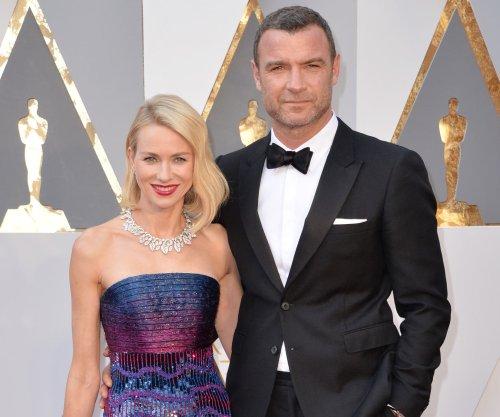 Naomi Watts and Olivia Munn stun with their beaus at 2016 Oscars