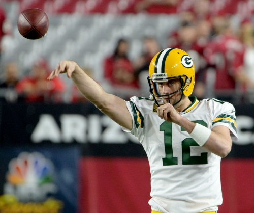 Green Bay Packers leaning on run as passing lags behind