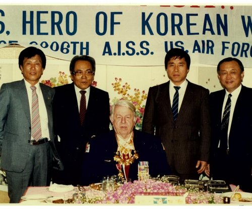 Author: U.S. spy worked in shadows to define Korean War