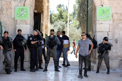 Seven Muslims arrested, 61 injured amid tensions at Temple Mount