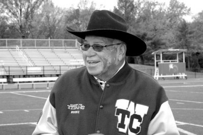 'Remember the Titans' head football coach Herman Boone dies at 84