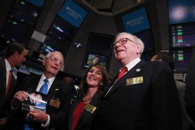 Warren Buffett quits Gates Foundation board, gives $4.1B to 5 charities