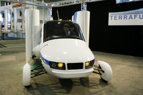 Terrafugia unveils second generation flying car