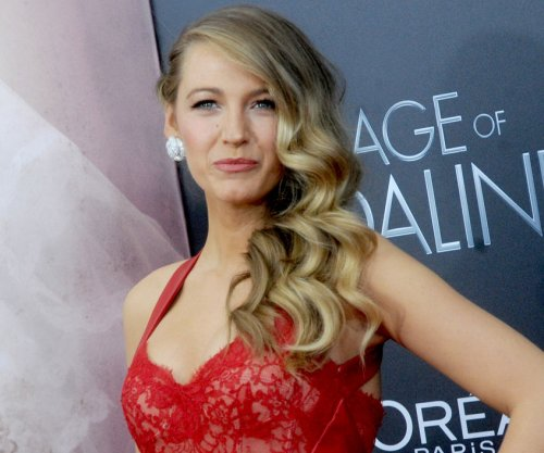 Blake Lively still watches 'Gossip Girl' episodes
