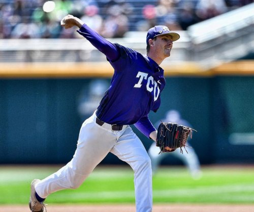 TCU Horned Frogs eliminate Texas A&M Aggies at 2017 College World Series