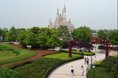 Shanghai Disneyland reopens with limits after 3-month shutdown