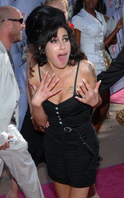 Winehouse to sing at Mandela's birthday