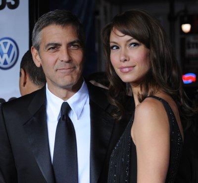 Larson: I'm still friends with Clooney