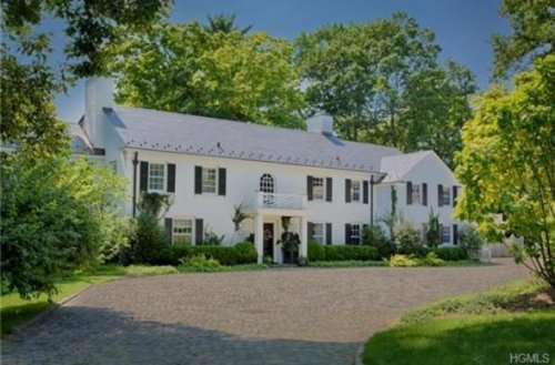 Catherine Zeta-Jones lists house where she spent separation for $8.1 million