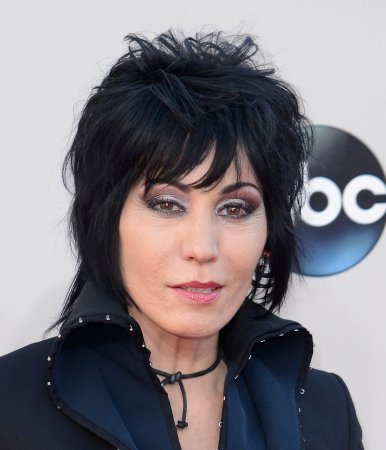 Joan Jett creates clothing line for Hot Topic