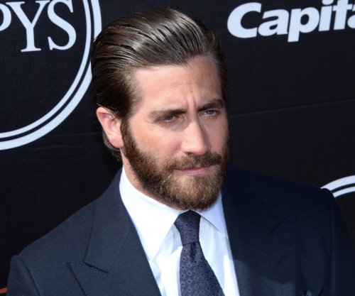 Taylor Swift's new single 'Bad Blood' played during ex's Jake Gyllenhaal interview on GMA