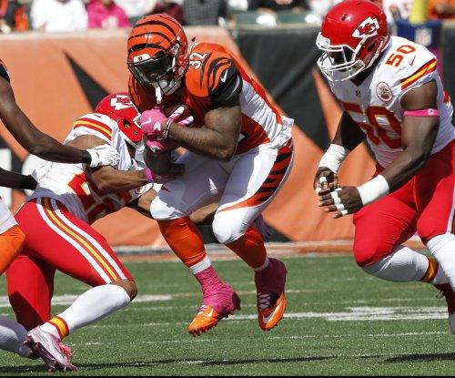 Kansas City Chiefs LB Justin Houston practices; WR Jeremy Maclin sits