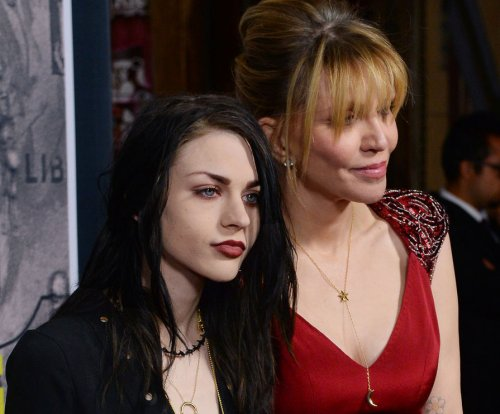 Frances Bean Cobain's estranged husband suing for $25,000 a month in spousal support
