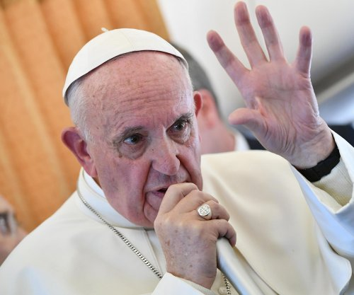 Pope compares media disinformation to a fascination with feces
