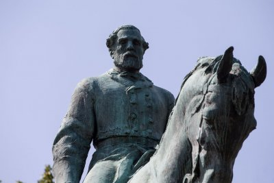 Va. Gov. McAuliffe: No protests at Lee monument in Richmond for now