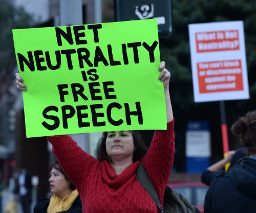 Senators worried about fake comments in FCC plan to change net neutrality