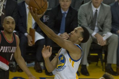 Former Golden State Warriors guard Shaun Livingston retires from NBA