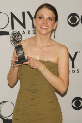 Sutton Foster heads back to 'Goes'