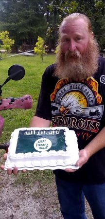 Walmart sorry for making Islamic State cake after rejecting Confederate flag cake