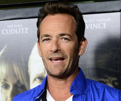 Luke Perry: 'Beverly Hills 90210' like third grade