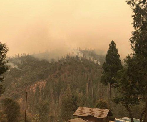 Thunderstorms could hamper Yosemite firefighting efforts