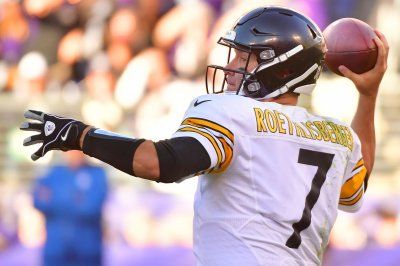 Steelers face must-win against hated Patriots