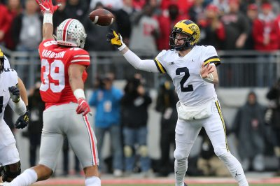 Michigan Wolverines QB Shea Patterson will return in 2019