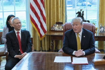 Trump pledges to raise tariffs on $200B of Chinese goods to 25%
